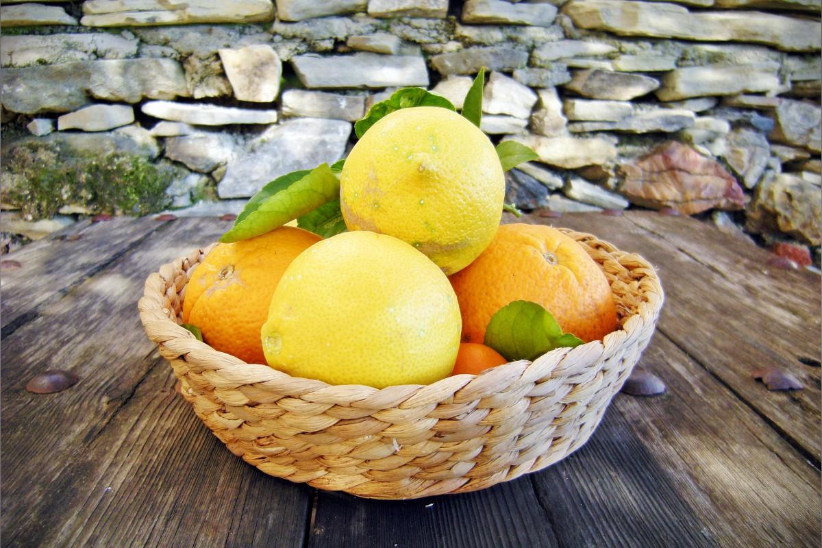 oranges-and-lemons-1200x800