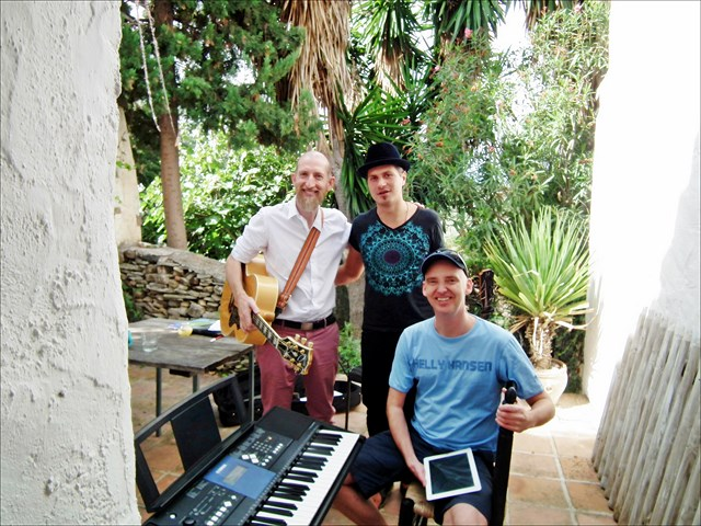 songwriting-course-Castillejos-retreat-1a